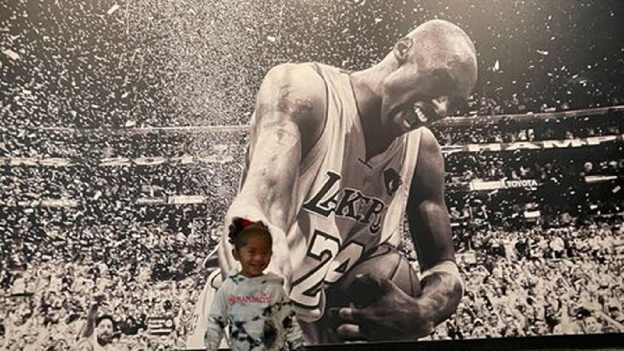 Kobe Bryant's Wife, Daughters Visit Hall Of Fame Exhibit, 'Love You Always' - WorldNewsEra