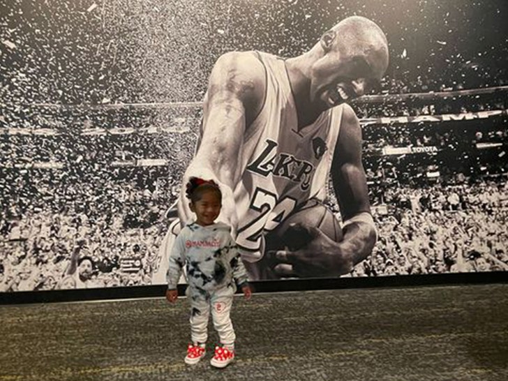 Kobe Bryant's Wife, Daughters Visit Hall Of Fame Exhibit, 'Love You Always'.jpg
