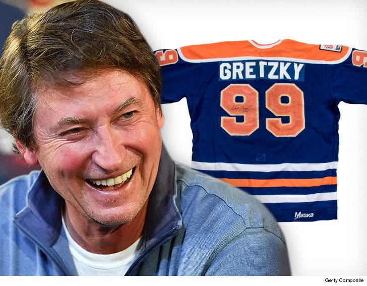 best sneakers f1bd3 17d60 Wayne Gretzky NHL Rookie Jersey Hits Auction Block, Could ...