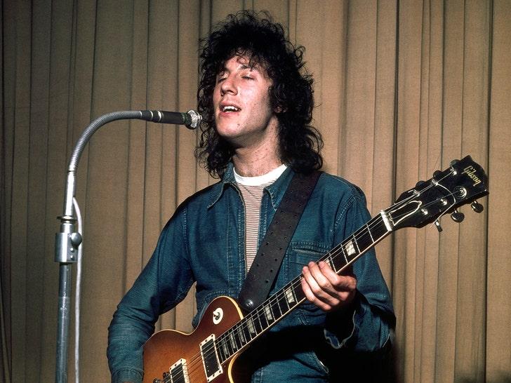 Fleetwood Mac Co-founder Peter Green Dead at 73
