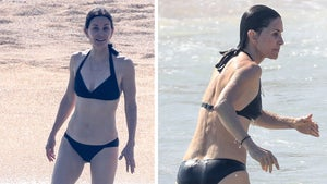 Courteney Cox Celebrates 55th Birthday with Jen Aniston and Gals in Mexico