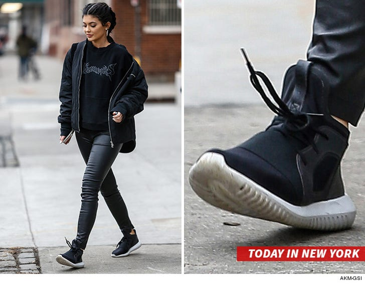 Ciro mecanismo Tratar  Kylie Jenner: PUMA's Letting Me Rock Adidas ... So I Am