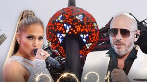 Jennifer Lopez, Pitbull Headlining NYE in Times Square for Frontline Heroes