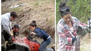 'Bachelorette' Couple -- Stuck in the Mud