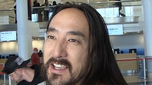 Steve Aoki Gifts Wish Kid New Piano, Music Lessons After Playdate