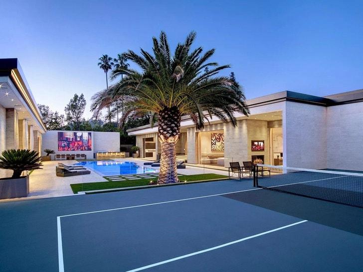 Kylie Jenner Buys Massive Holmby Hills Estate