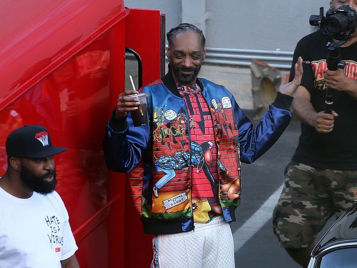 Snoop Dogg, Wiz Khalifa and Xzibit Shoot a Music Video