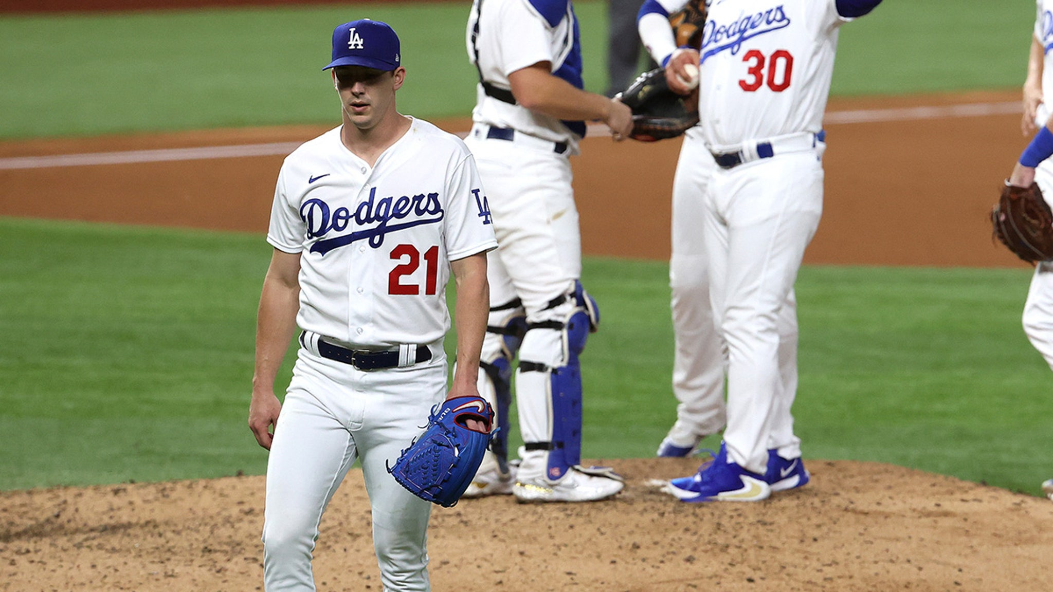 Dodgers' Walker Buehler Suffocates Legs In Super Tight Pants ... What's the Deal, Bro?!