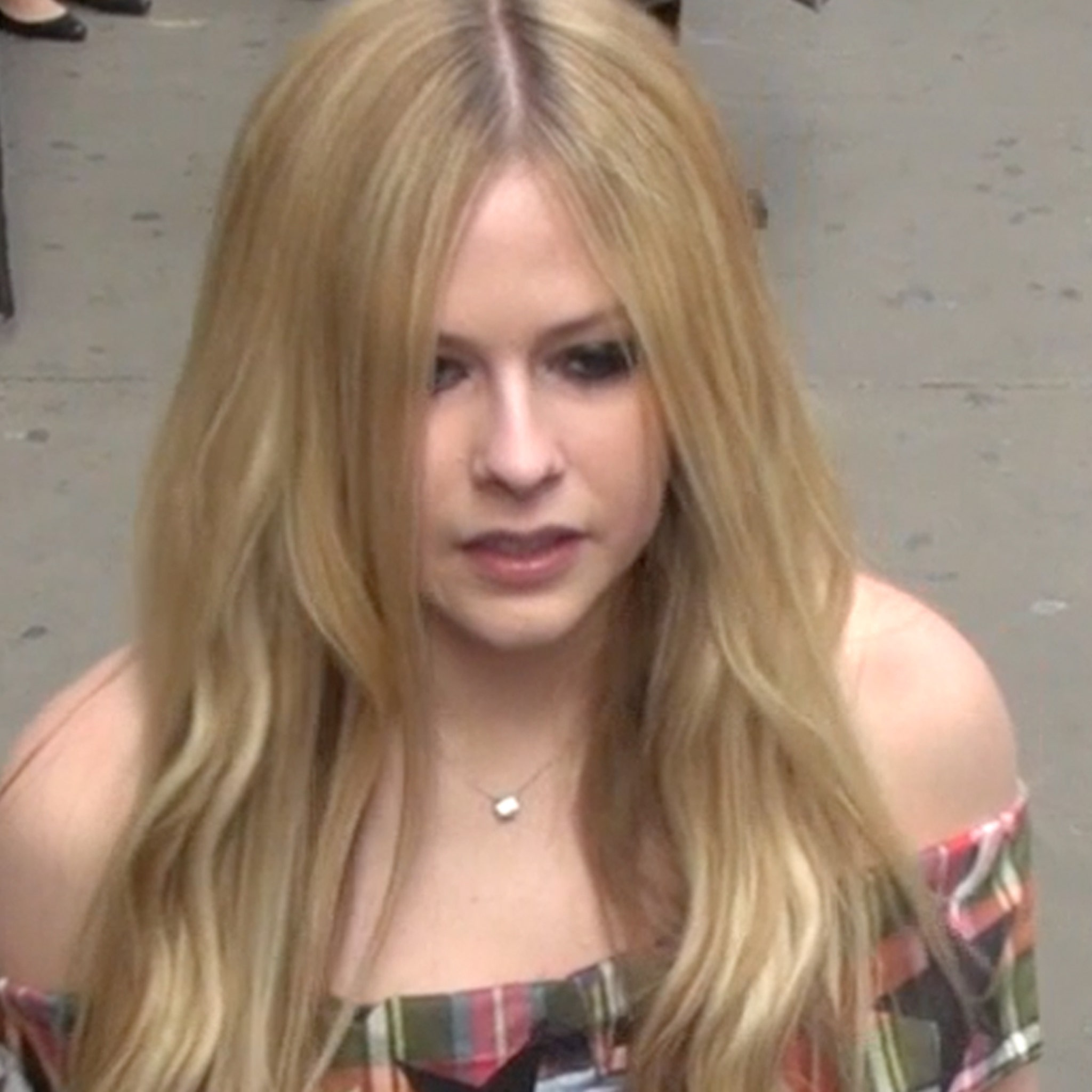 Avril Lavigne Cancels Tour Stops In Asia Amid Coronavirus Fears