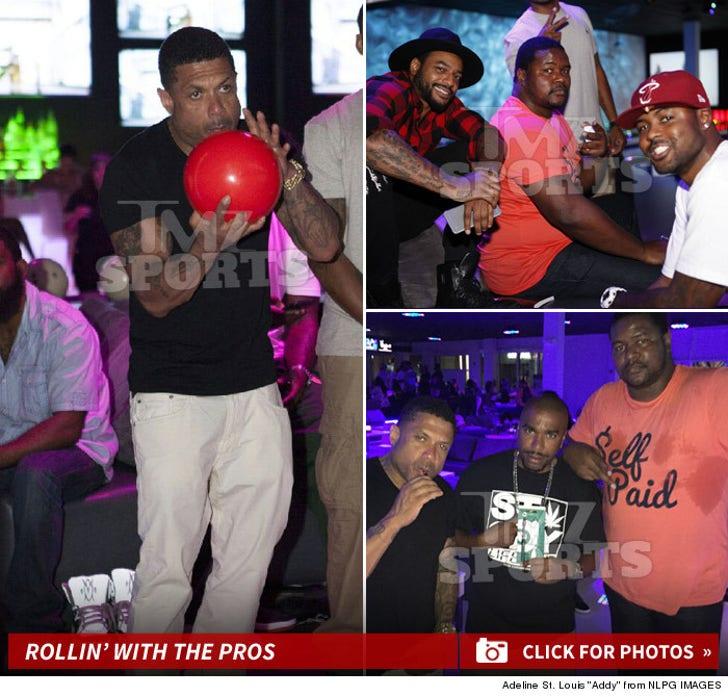 Ex-NFL Stars Bowling Night With Benzino
