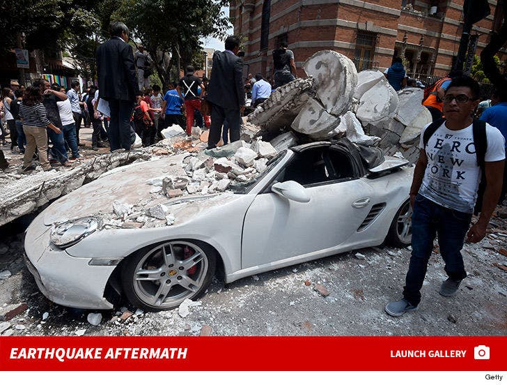 Mexico Rocked by 7 1 Earthquake, Buildings Collapsing and