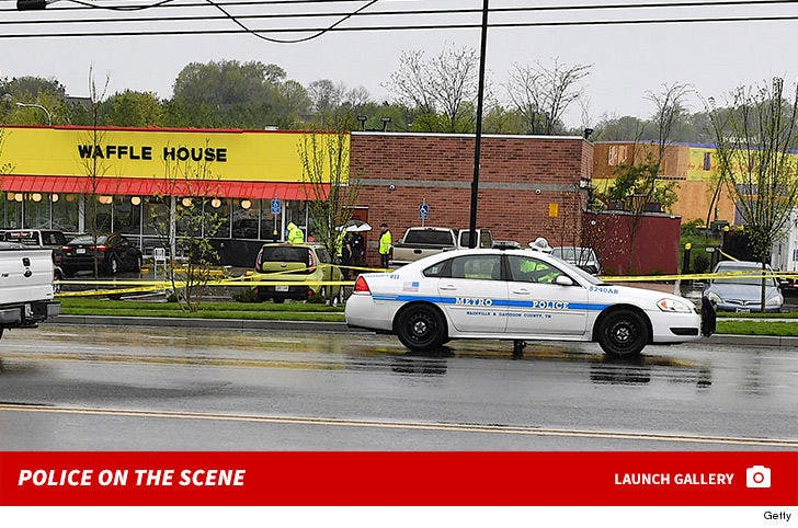Waffle House Shooting -- Police on the Scene