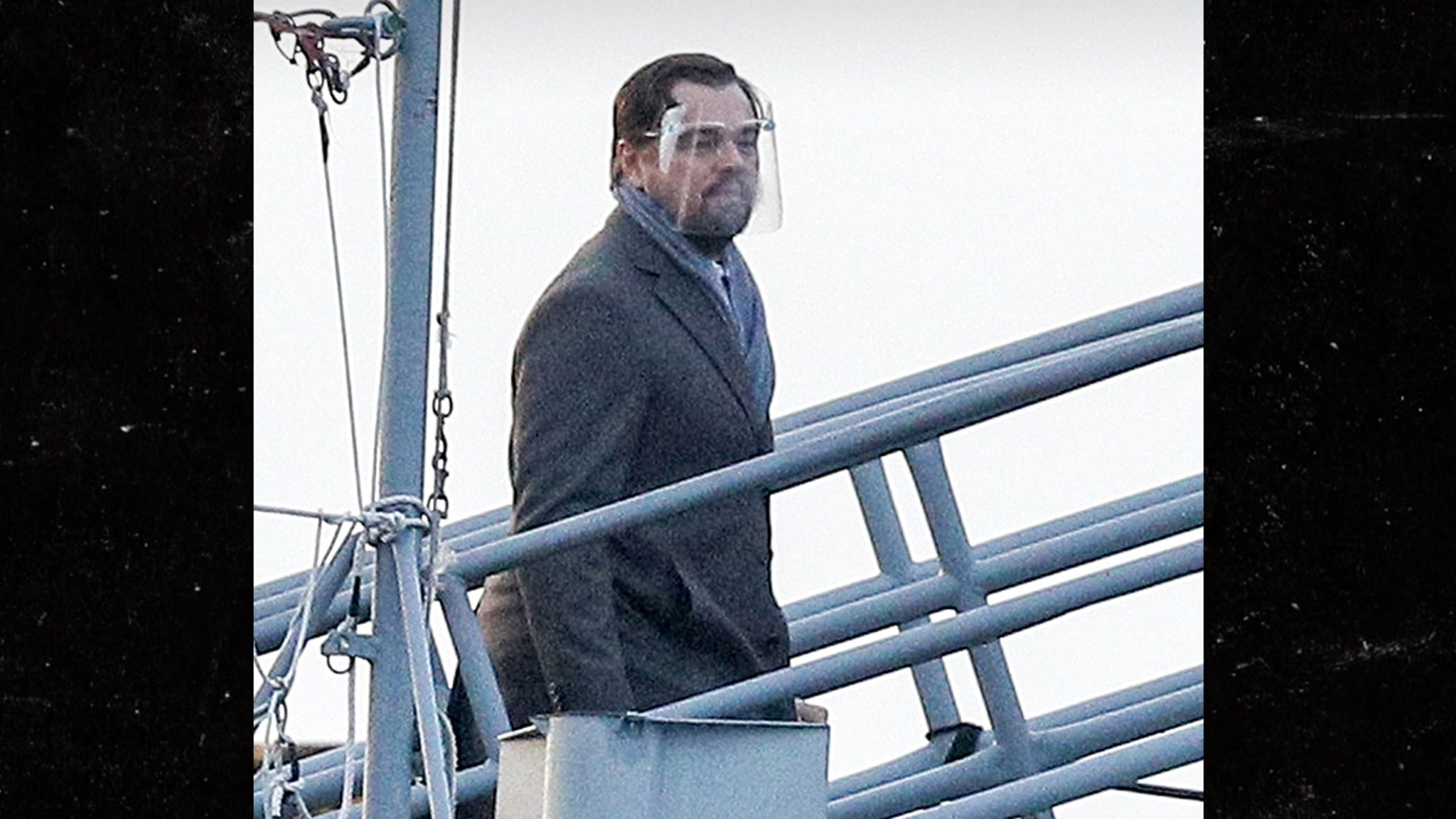 Leo DiCaprio, J. Law Shield Themselves on Set, Matthew Perry Looks Good thumbnail