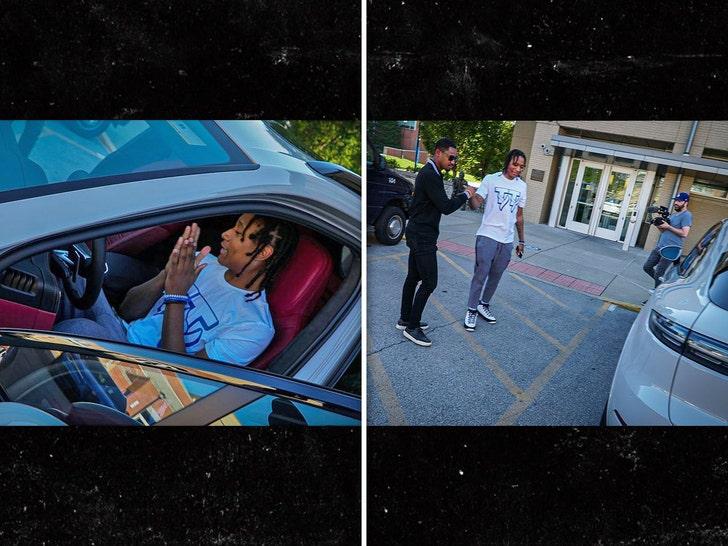 Kentucky Hoop Star TyTy Washington Signs NIL Deal With Porsche.jpg