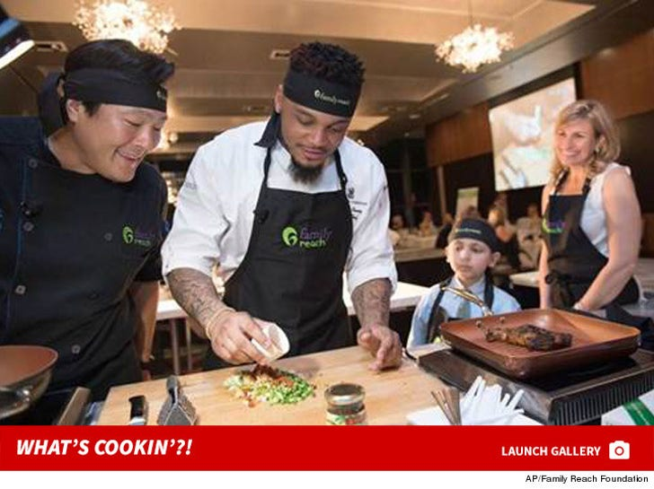 Patriots' Patrick Chung -- What's Cookin'!