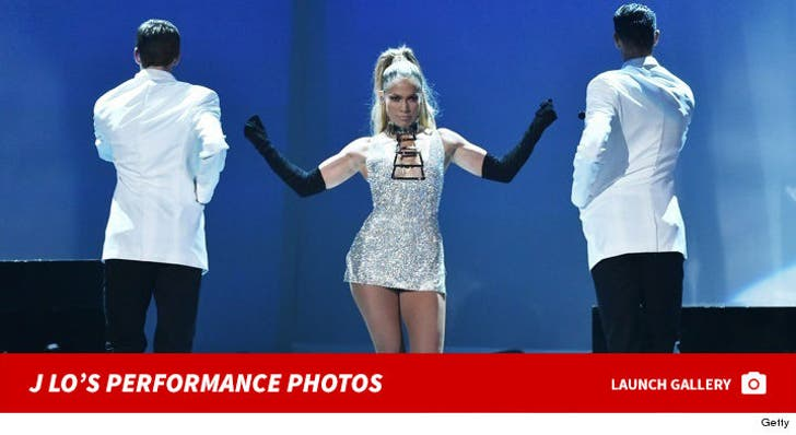 Jennifer Lopez Performance Photos
