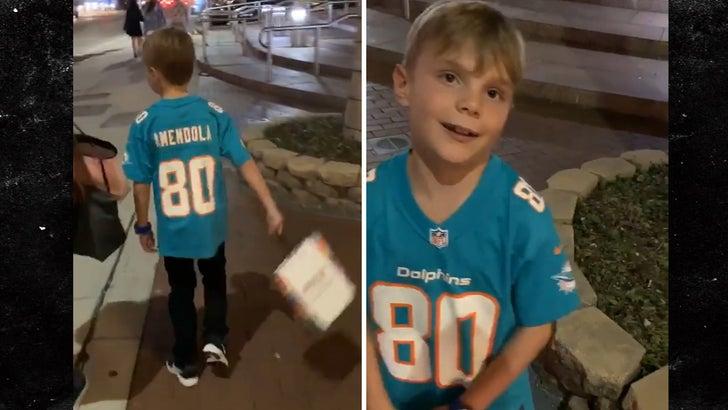 pretty nice eea34 8e48d Danny Amendola Surprises Little Kid Wearing His Jersey, 'Hey ...