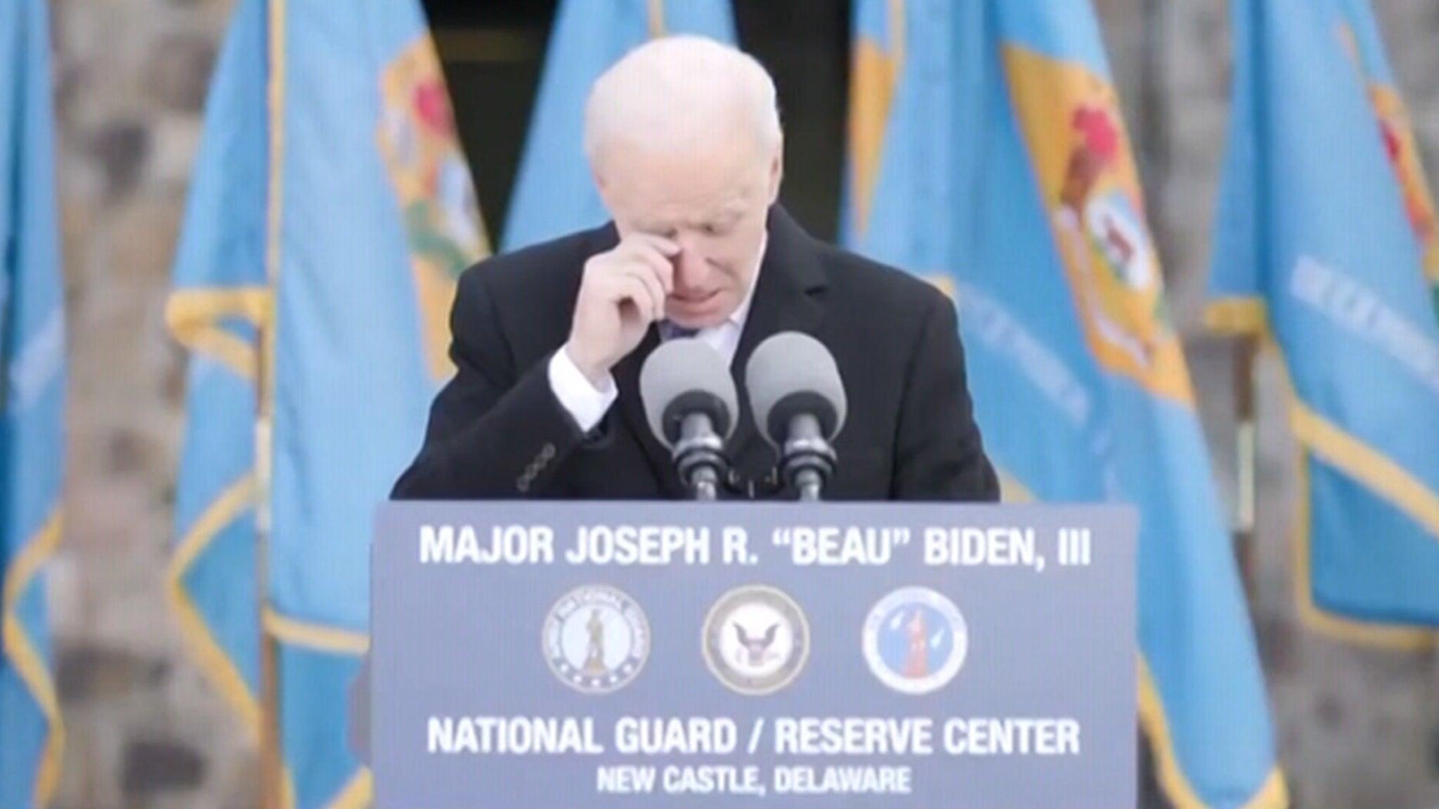 Джо Байден разрывается во время прощания в Делавэре перед отъездом в Вашингтон