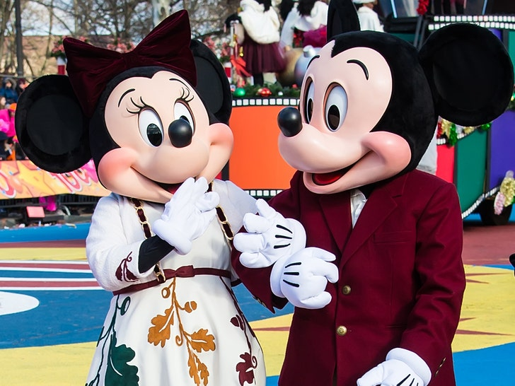 Disney World Employees Say Patrons are Groping Them - EpicNews