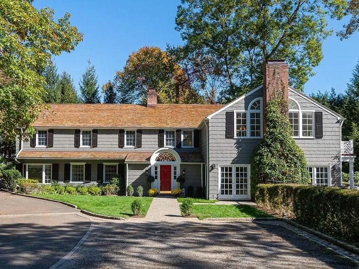Bethenny Frankel's Connecticut Home -- For Sale!