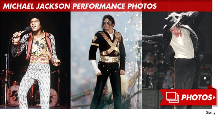 Michael Jackson Performance Photos!