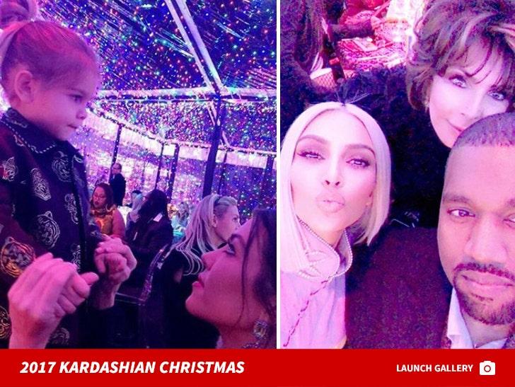2017 Kardashian Christmas