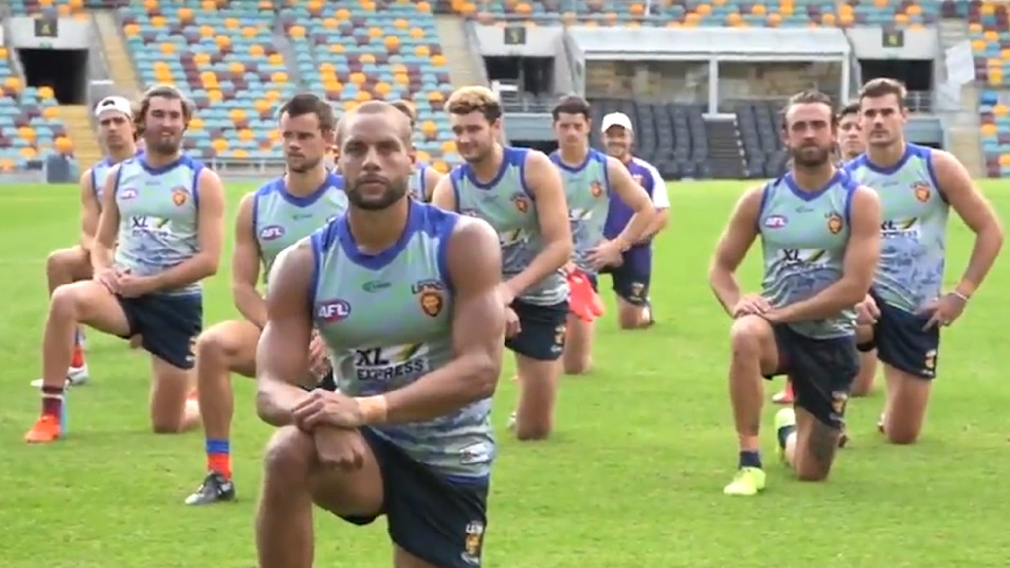 Colin Kaepernick Kneeling Protest Spreads to Australia ... Aussie Rules Team Sends Message