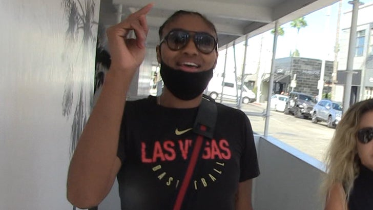 WNBA's Angel McCoughtry Down To Help Odell W/ ACL Recovery, I Came Back In 4 Months!.jpg