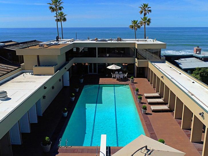 Jenny Craig's Fat Beach House -- $OLD!