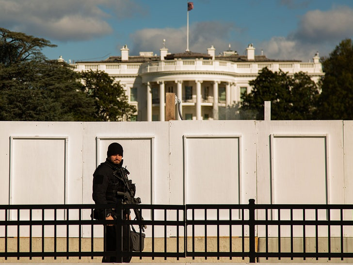 White House Walls Go Up Before Election Day