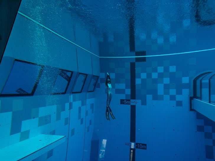 Deepest Swimming Pool in the World Opens in Poland