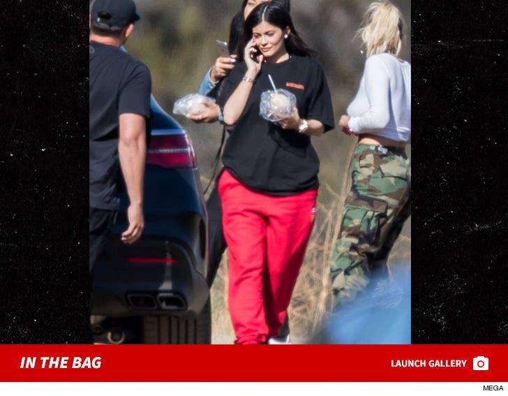 Kylie Jenner First Photos Since Pregnancy News