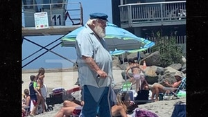 'Game of Thrones' Author George R.R. Martin Look-alike Hits the Beach