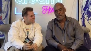 Homeless Artist Richard Hutchins Getting Hollywood Offers After Viral Video