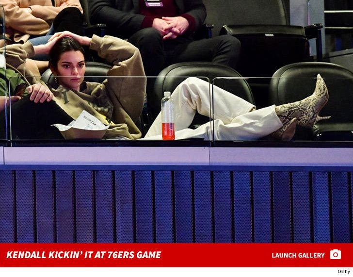 Kendall Jenner At The 76ers Game