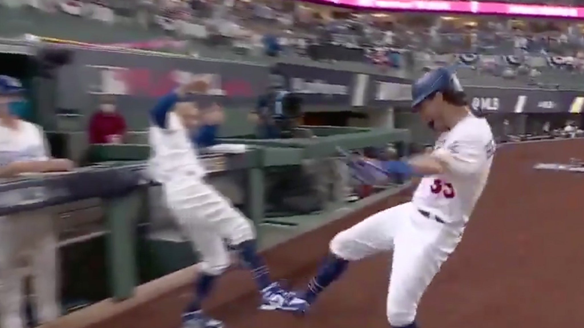 Cody Bellinger Switches HR Celly After Injury ... Foot Taps!!!