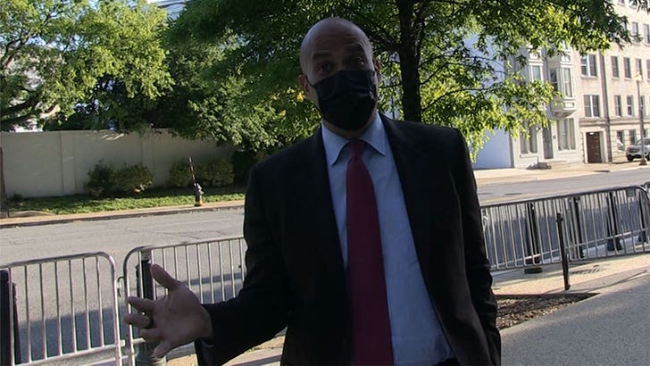 Senator Cory Booker Happy For Tim Tebow, But Says Kaepernick Got a Raw Deal.jpg