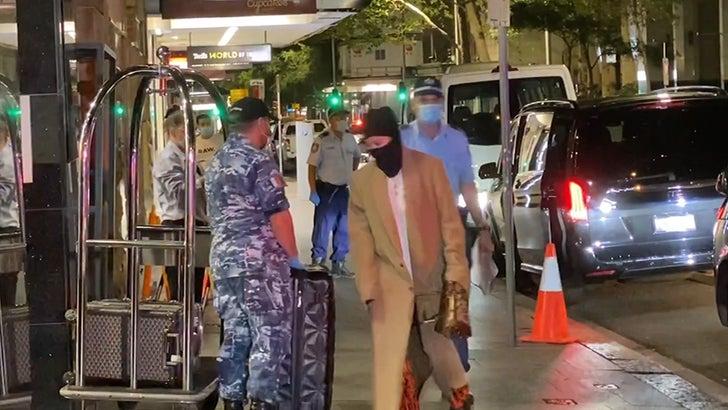 Rita Ora Intercepted by Australian Airport Cops, Forced to Quarantine.jpg