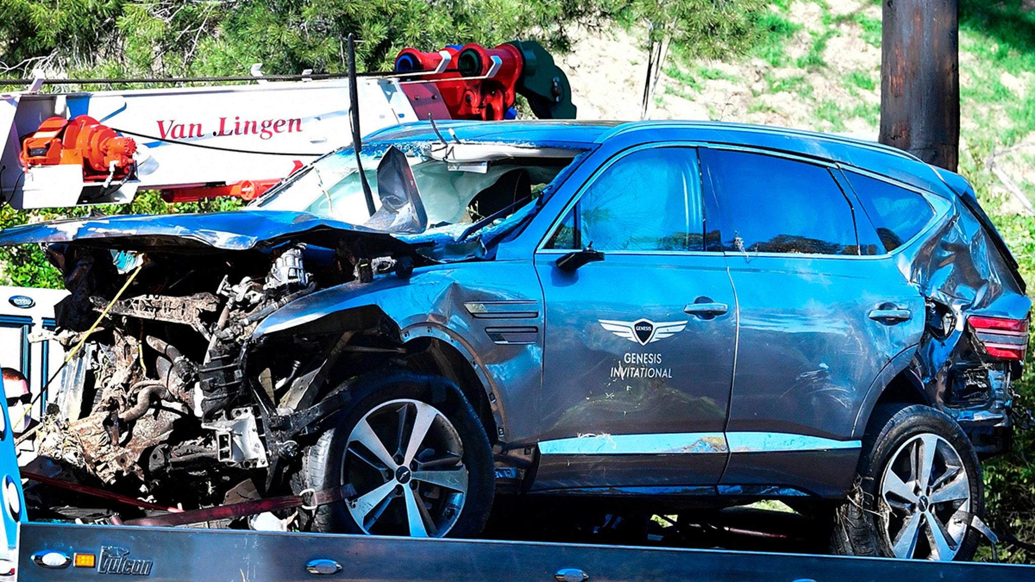 Крушение Тайгера Вудса, официальные лица получили ордер на извлечение черного ящика из разбитого внедорожника