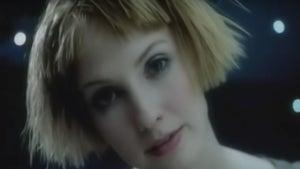 """Kiss Me"" Singer Leigh Nash 'Memba Her?!"