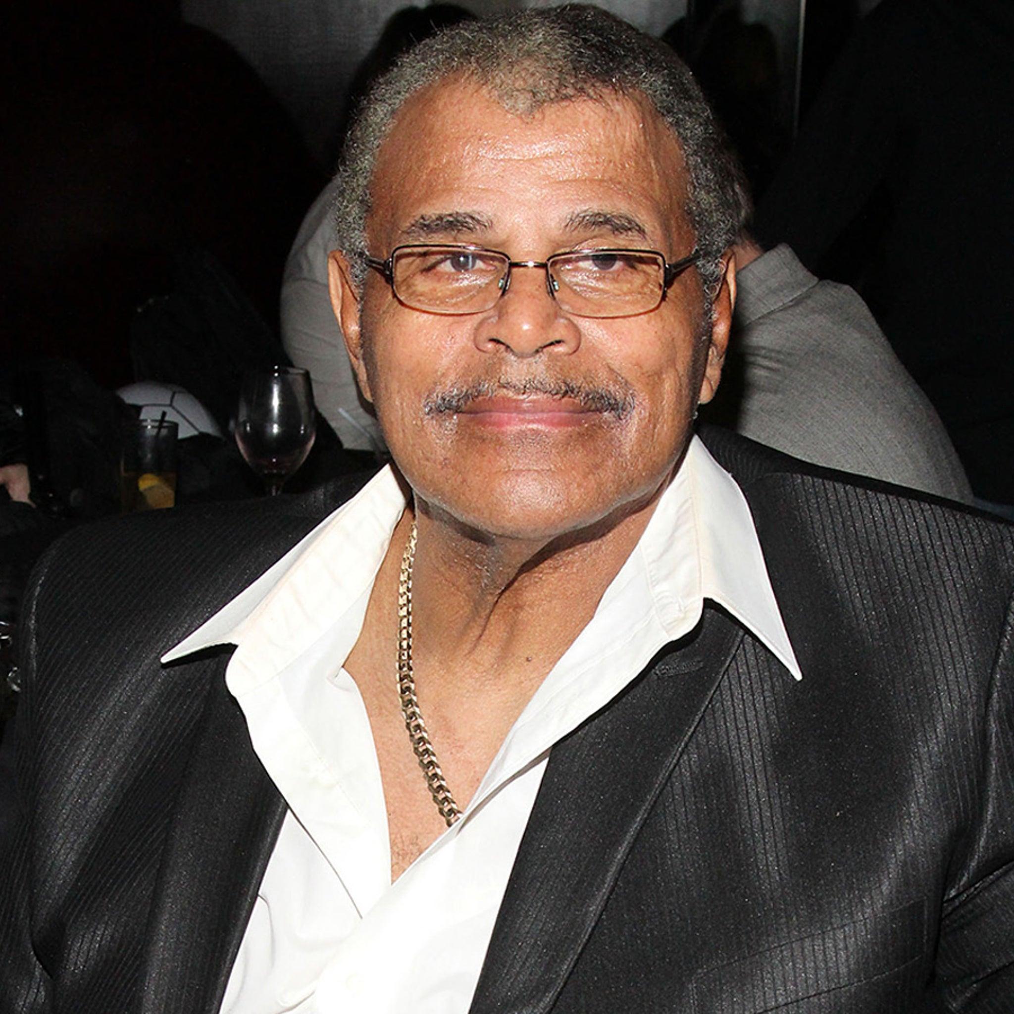 Dwayne Johnson's Dad, WWE Superstar Rocky 'Soul Man' Johnson Dead at 75