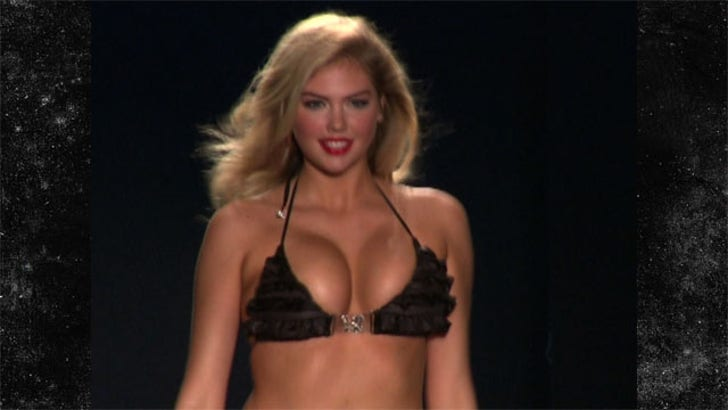 Check out big boobs bouncing in mesmerizing gifs