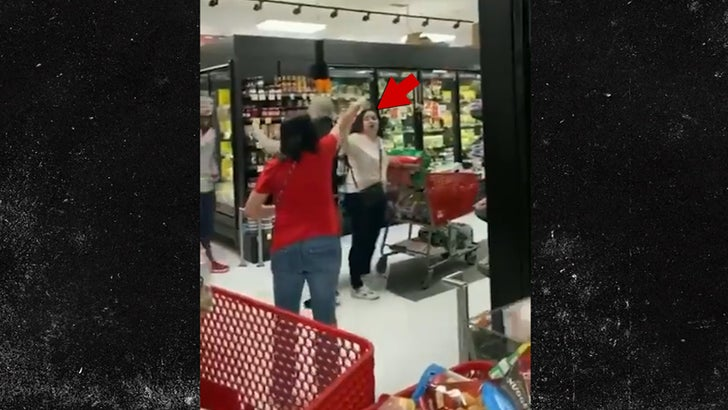 Staten Island Shoppers Chase Woman Out of Store for Not Wearing Mask - EpicNews