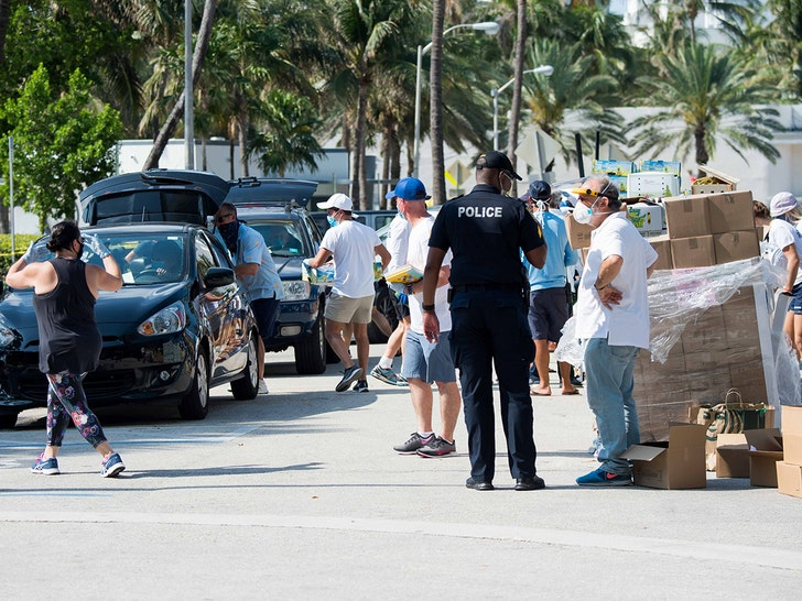 Mile-Long Food Bank Car Lines Between Luxury Hotels in Miami - EpicNews
