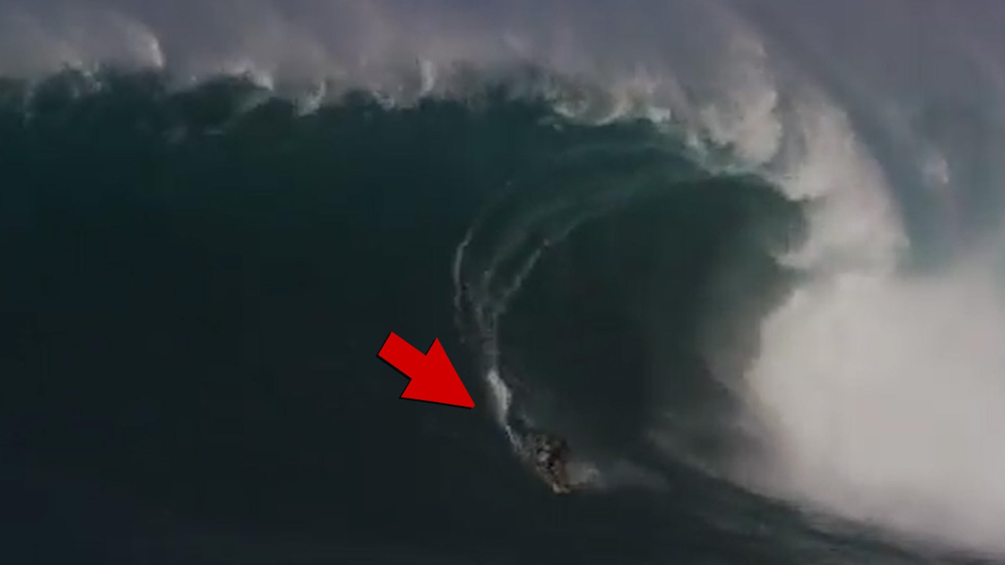 100-футовое волнение профессионального серфера Макуа Ротмана засняли на видео, мировой рекорд ?!