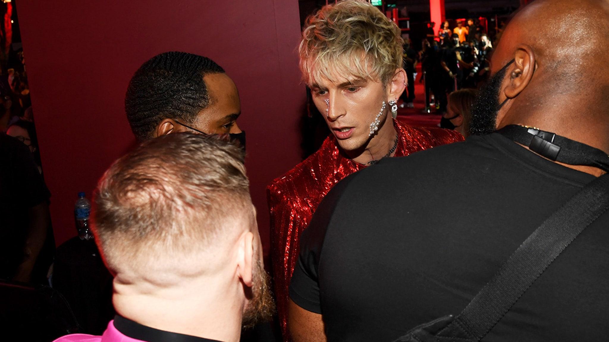 Conor McGregor Gets Into a Squabble with Machine Gun Kelly at VMAs