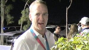 Peyton Manning, Antonio Brown Rave About Patrick Mahomes
