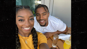Simone Biles Pens Birthday Note to NFL BF From Olympics, 'I Love You So Much'