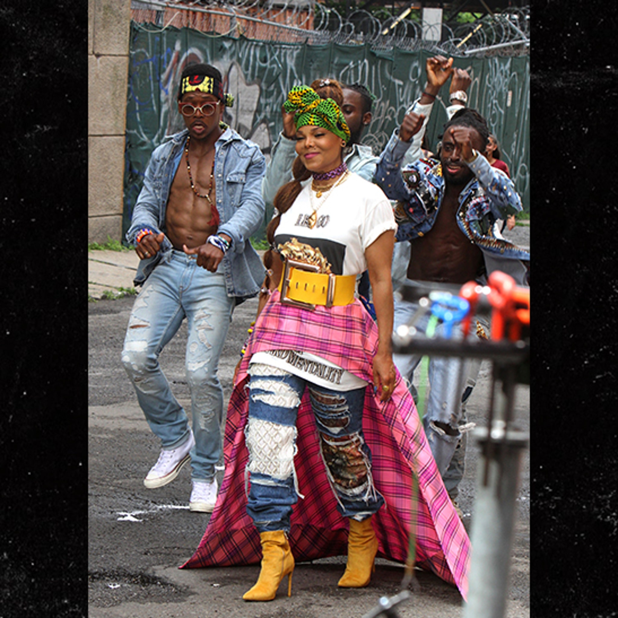 Janet Jackson Shoots New Music Video, But Keeps the Music