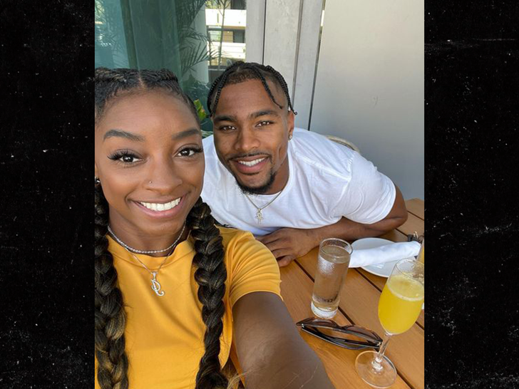 Simone Biles Pens Birthday Note to NFL BF From Olympics, 'I Love You So Much'.jpg